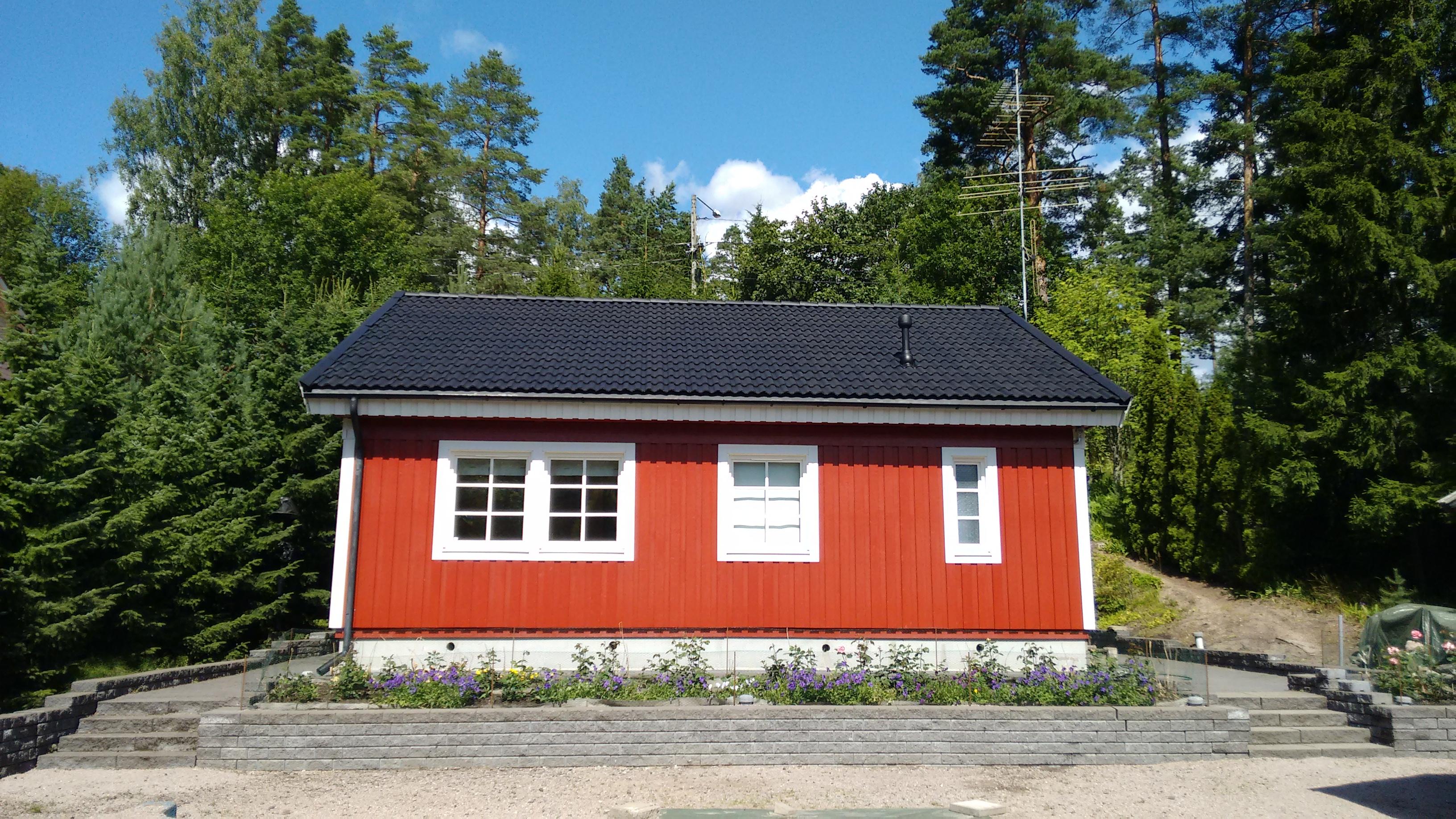 Tiilikaton maalaus, Espoo, 120 m2  Referenssit, Tiilikattojen huollot