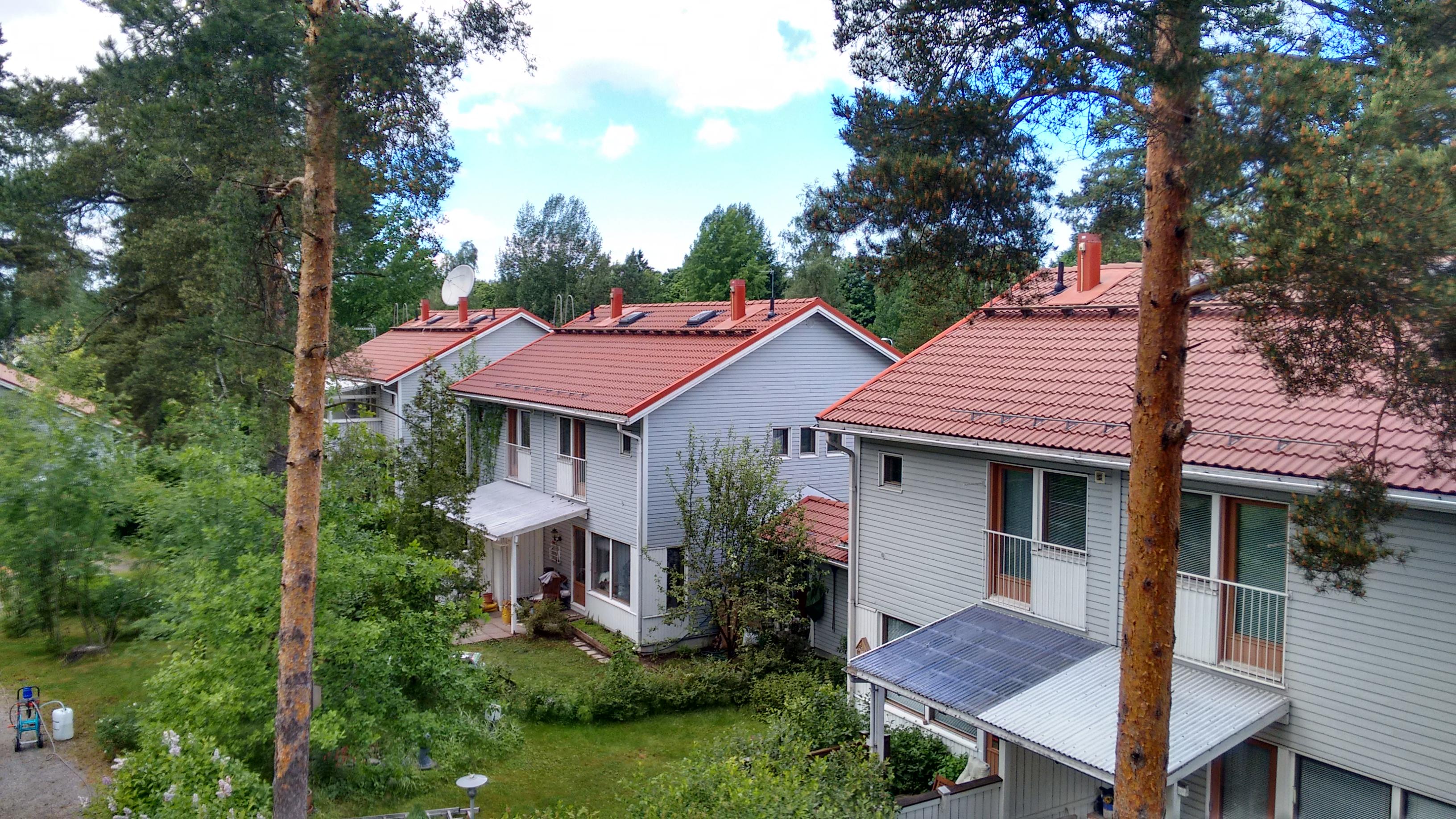 Tiilikattohuolto helsinki 1000 m2 referenssit for Gartengestaltung 1000 m2