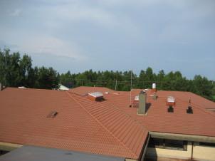 3000m2 pestyä ja suoja-ainekäsiteltyä kattoa